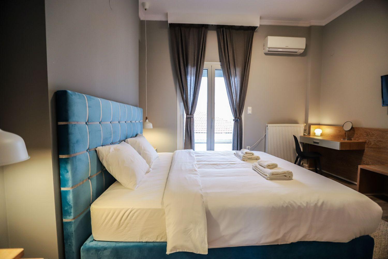 1ο Υπνοδωμάτιο με King Size κρεβάτι και γραφείο