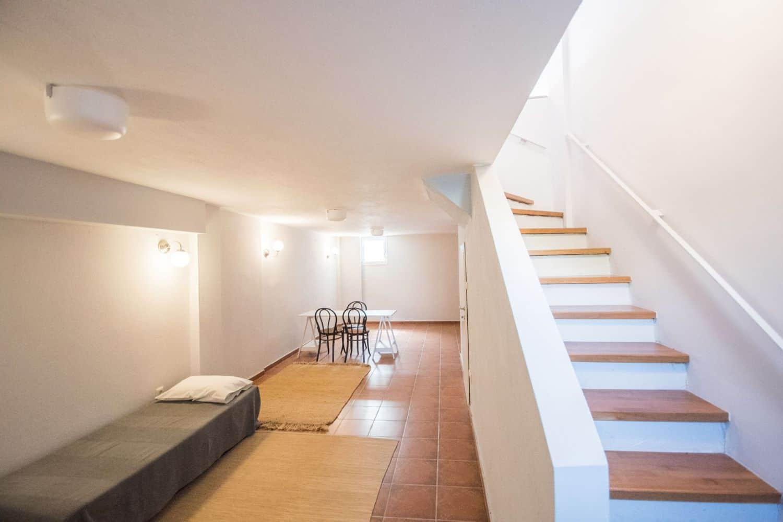 Underground Bedroom 2 with 1 single bed