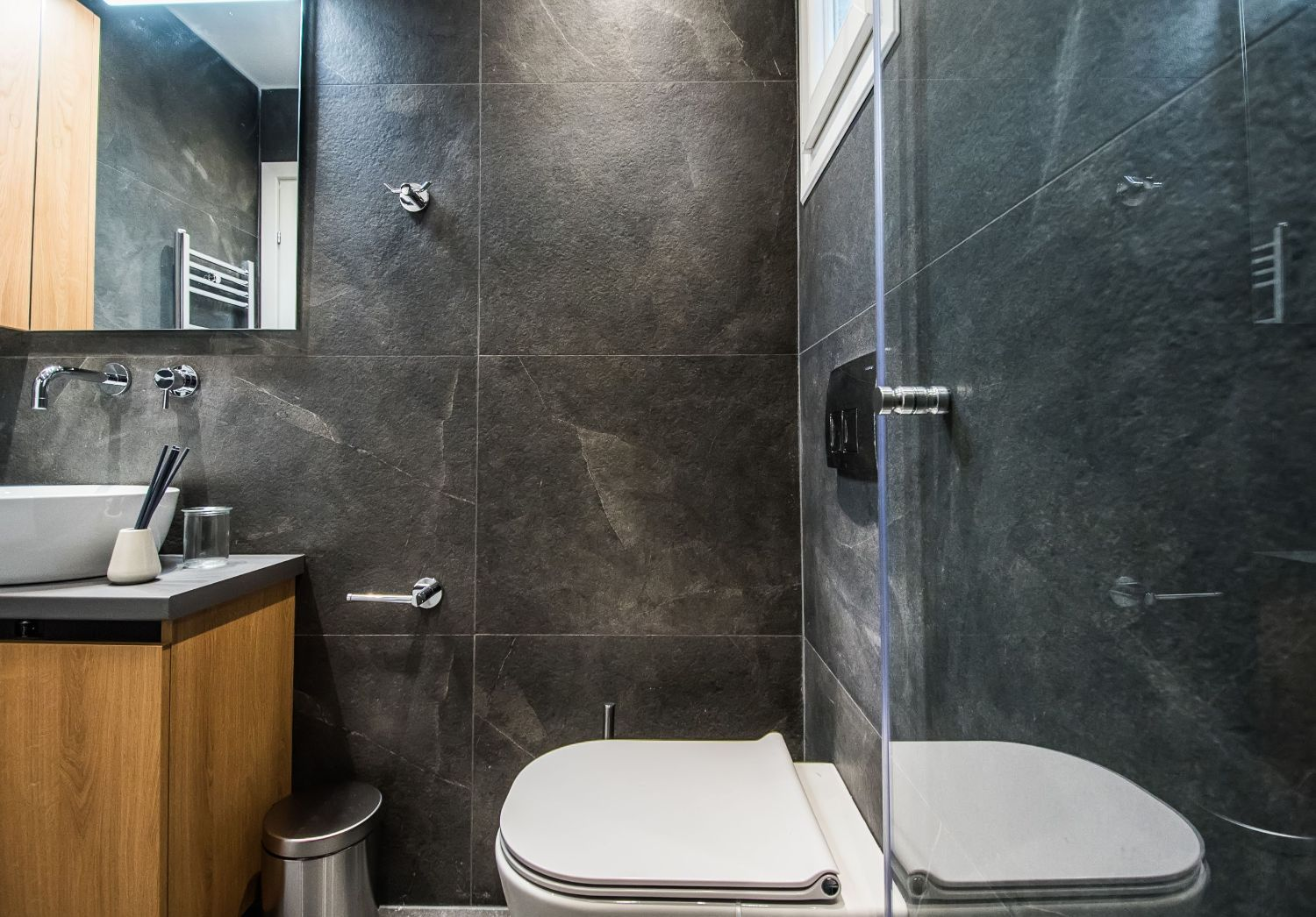 Clio Bathroom with Shower and WC