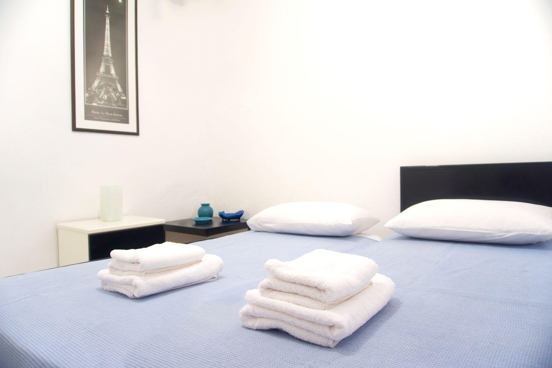 4o Υπνοδωμάτιο με 2 μονά κρεβάτια