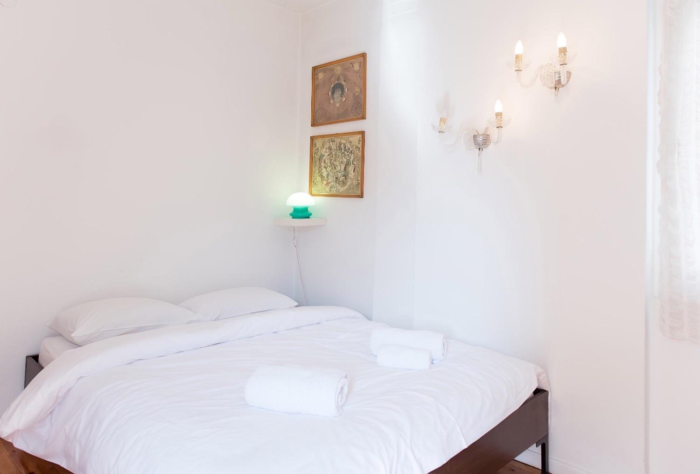 Υπνοδωμάτιο με κρεβάτι Queen