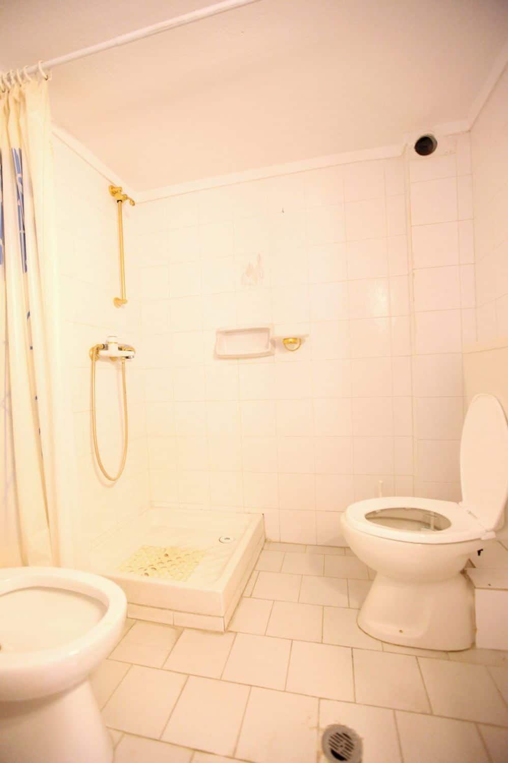 August Bathroom 2 with Shower and WC August toilet