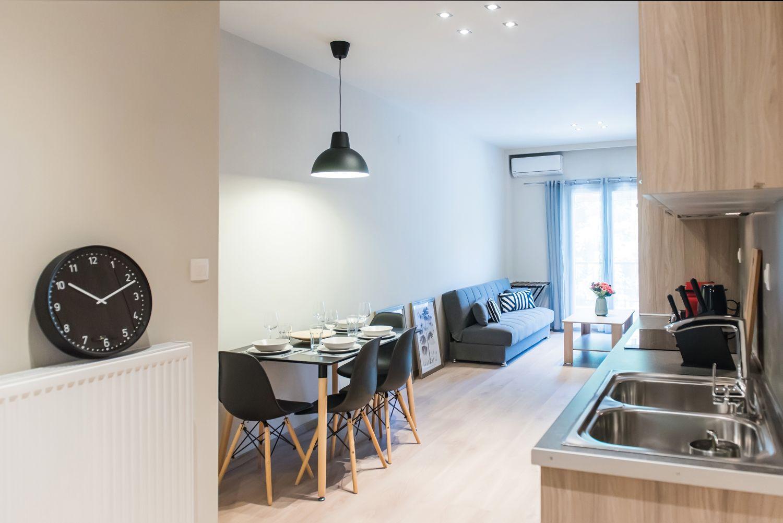 Είσοδος κουζίνας και τραπεζαρίας, κουζίνα / τραπεζαρία και καθιστικό