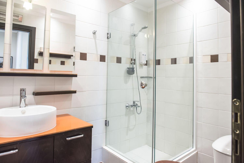 Spacious bathroom with shower