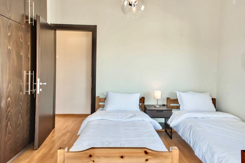 2ο Υπνοδωμάτιο με 2 μονά κρεβάτια
