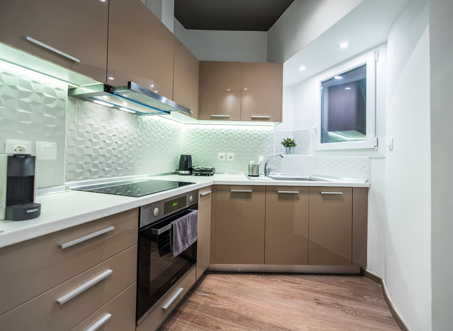 Fully equipped kitchen with Dish Washer and Nespresso Coffee Machine