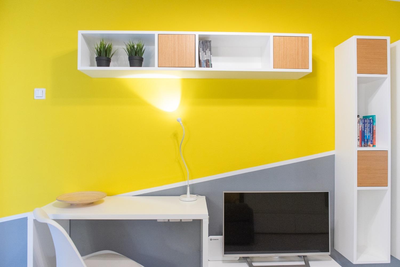 Workspace and NETFLIX TV