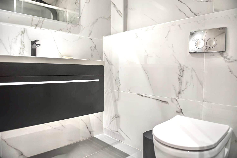 Στούντιο A Μπάνιο με ντους και WC