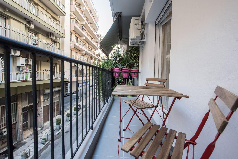 Μπαλκόνι Διαμέρισμα με θέα στο Δρόμο