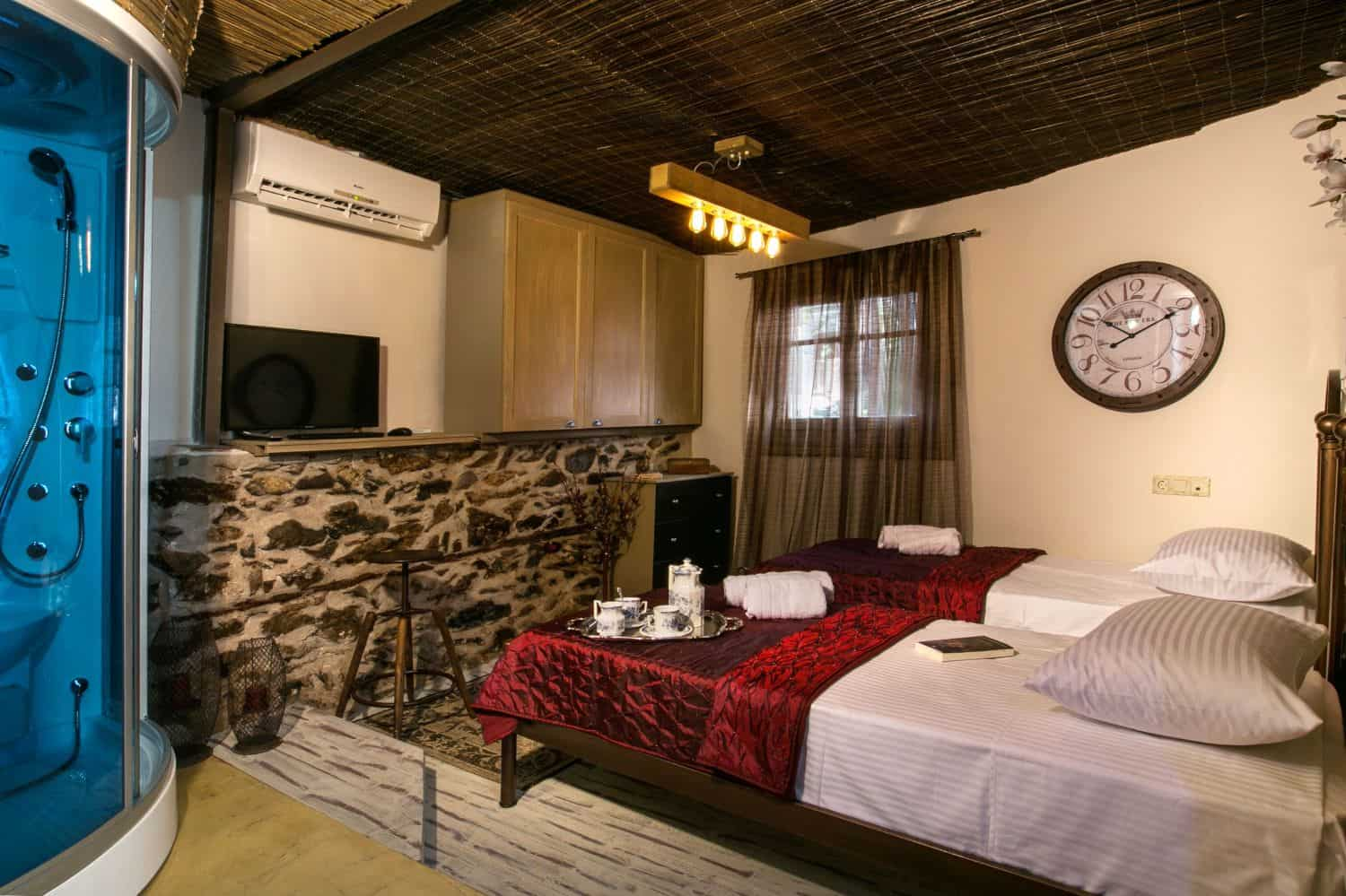 #Petite: Bedroom/Living area with Shower/Sauna, 2 Single Beds