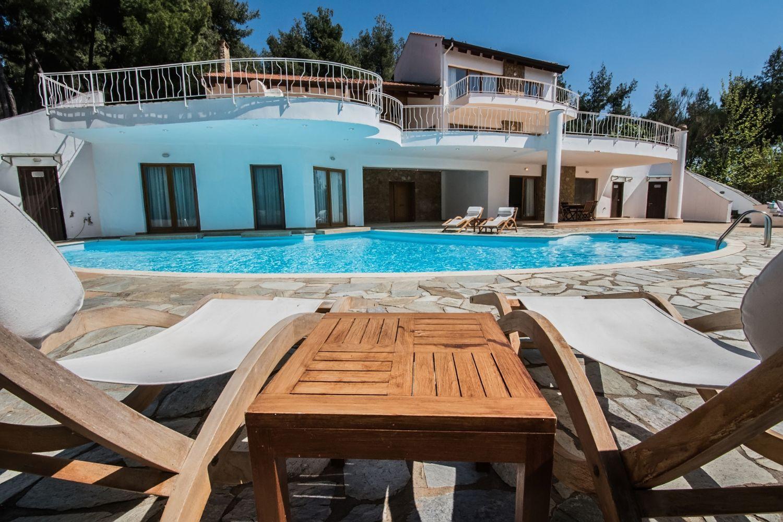Villa Hera Sunbeds Private Pool