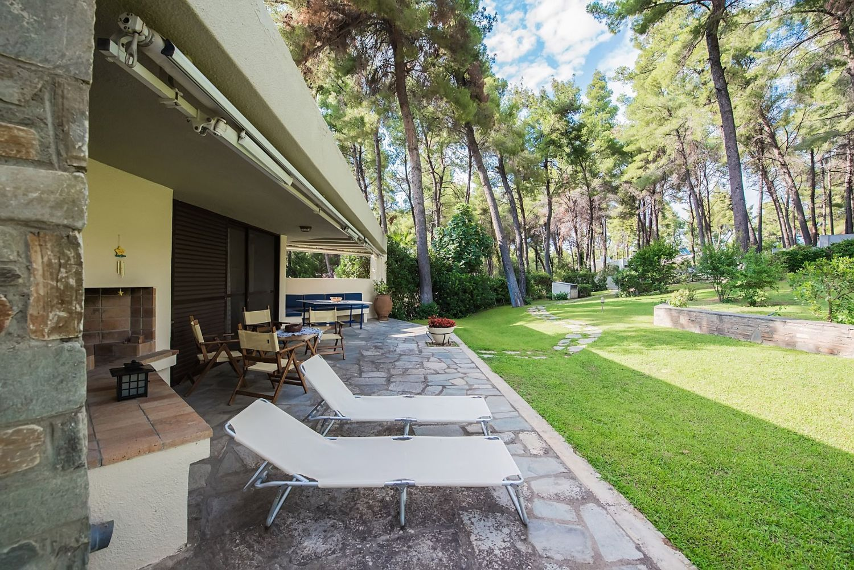 Villa Marigold Veranda and Garden