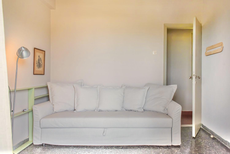 Υπνοδωμάτιο 2 με 1 καναπέ-κρεβάτι