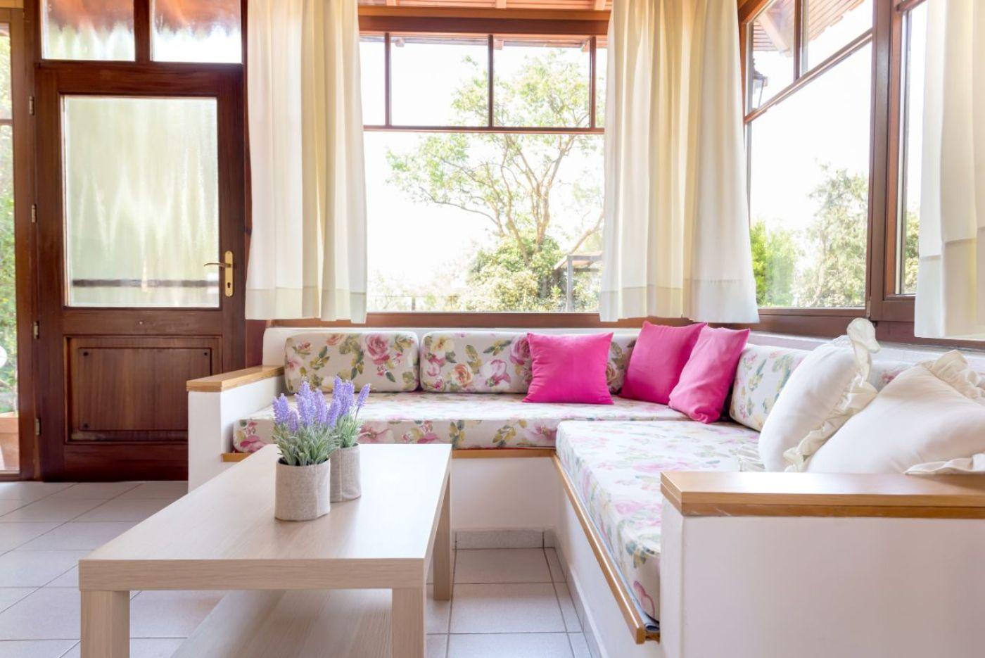 Living area Sofa