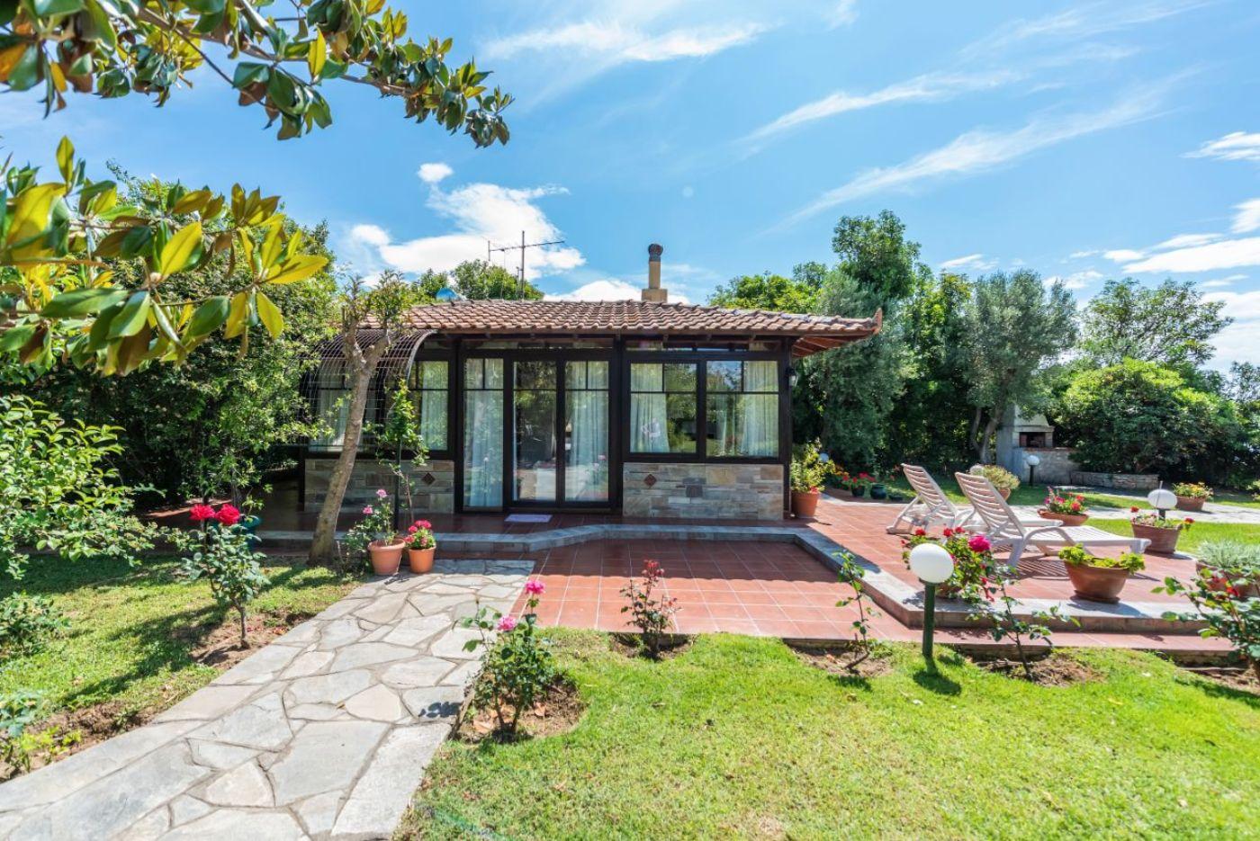 Maria Cabin, Terrace and Garden