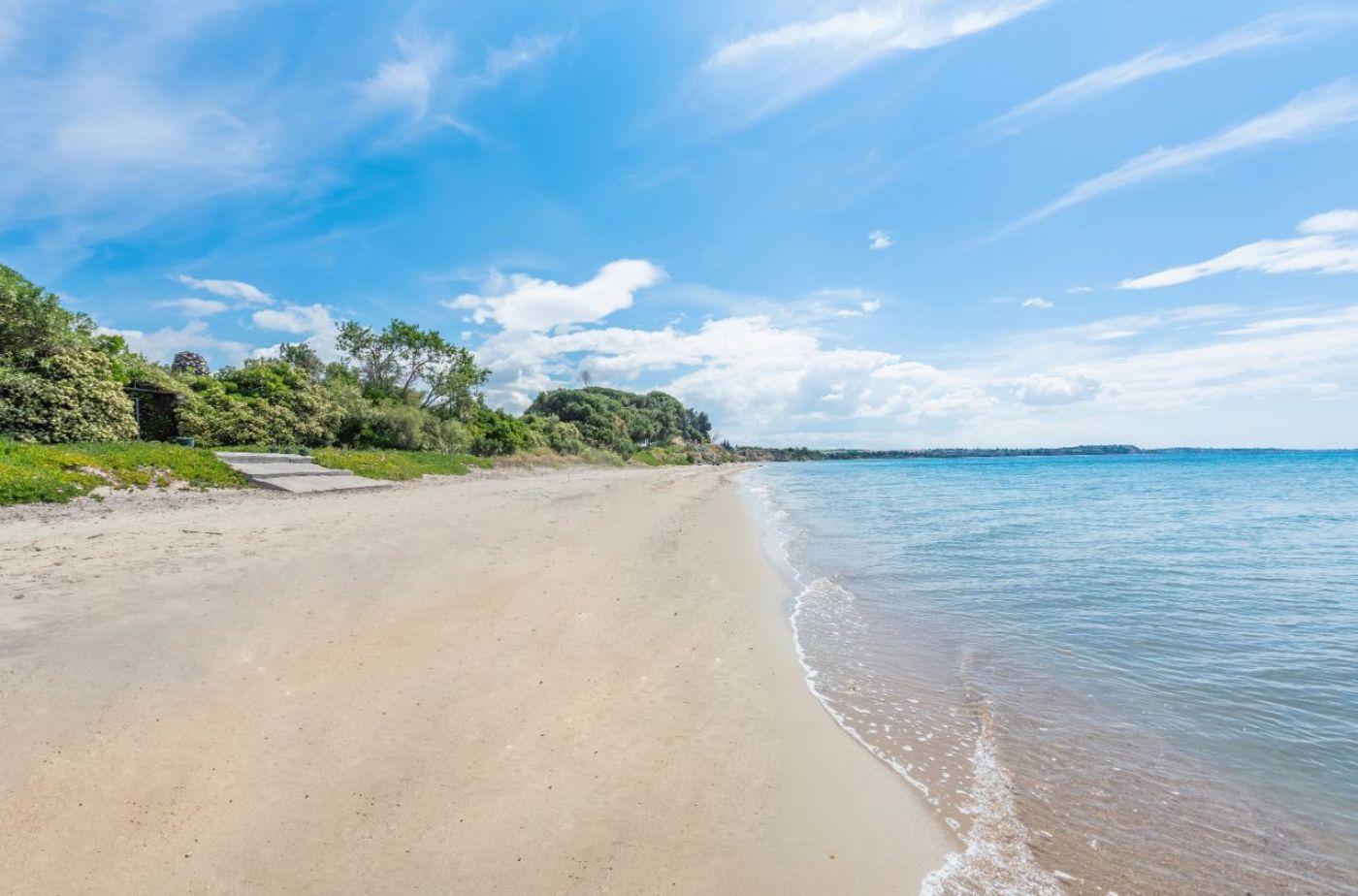 Maria Villas Beach