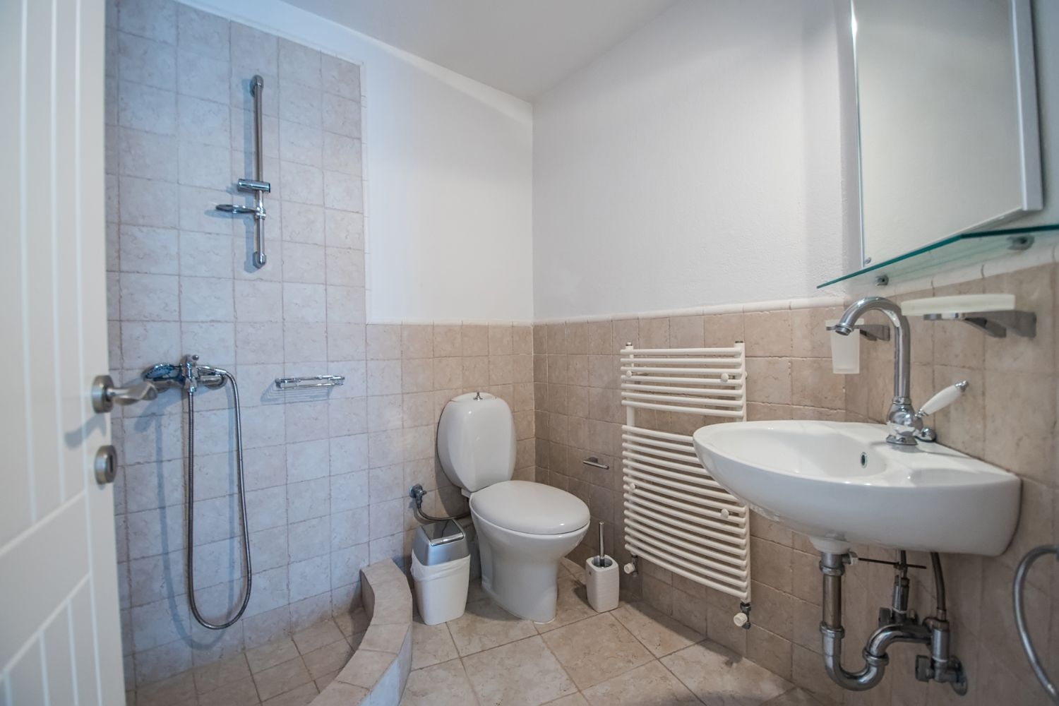 Bathroom 4 with Shower and WC