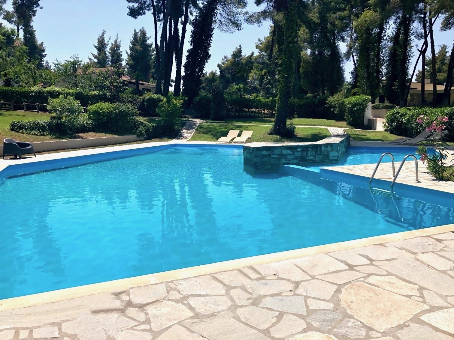 Κοινόχρηστη πισίνα