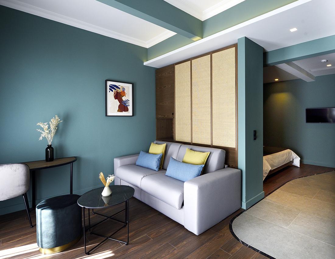 R4 Living room