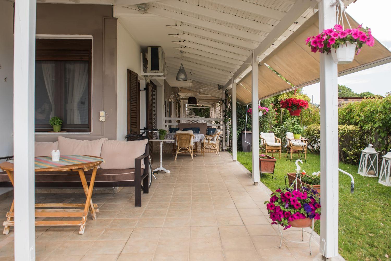 Coconut House Βεράντα και υπαίθριο καθιστικό