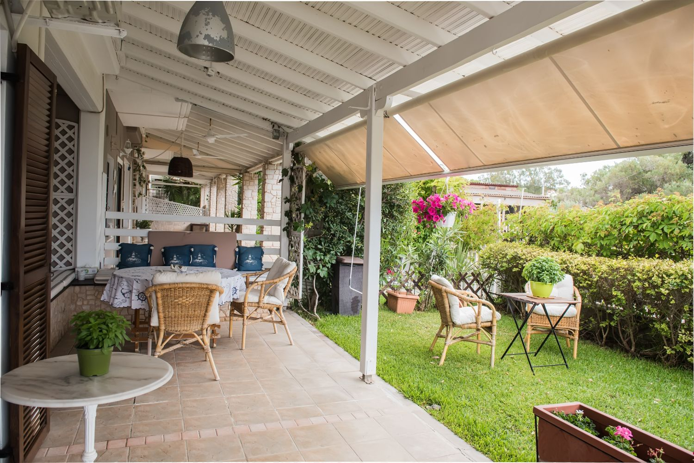Βεράντα, κήπος και υπαίθριο καθιστικό