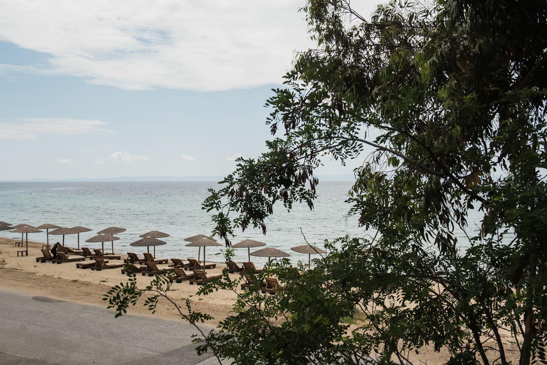 Θέα στην παραλία από το μπαλκόνι