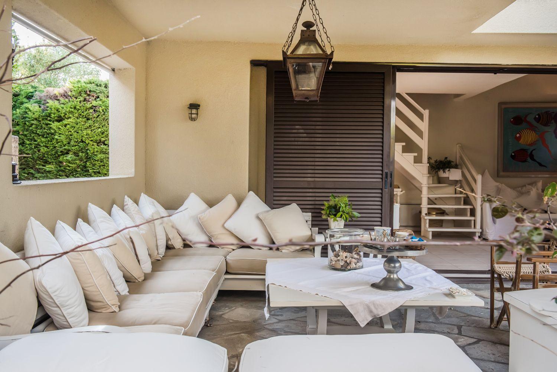 Veranda seating area
