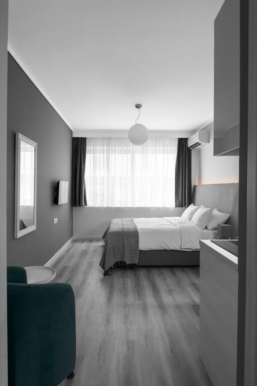 Suite #1, Living area
