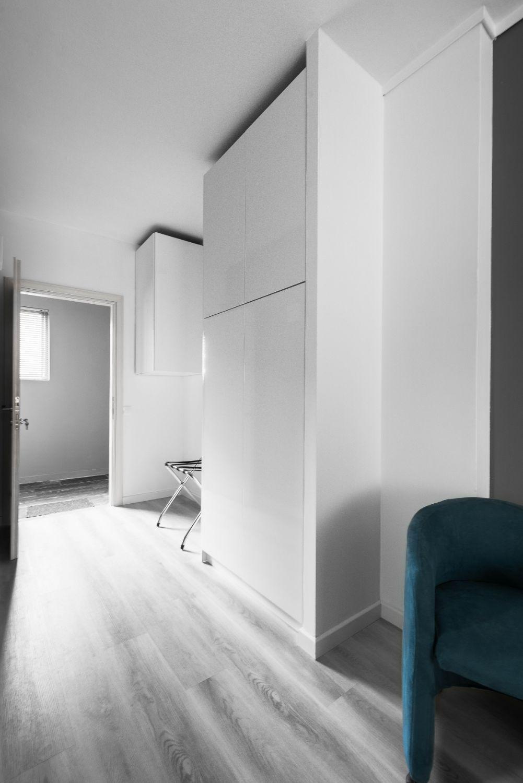 Suite #1, Interior