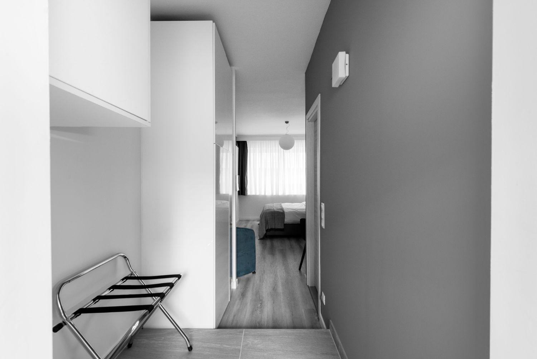 Suite #2, Interior