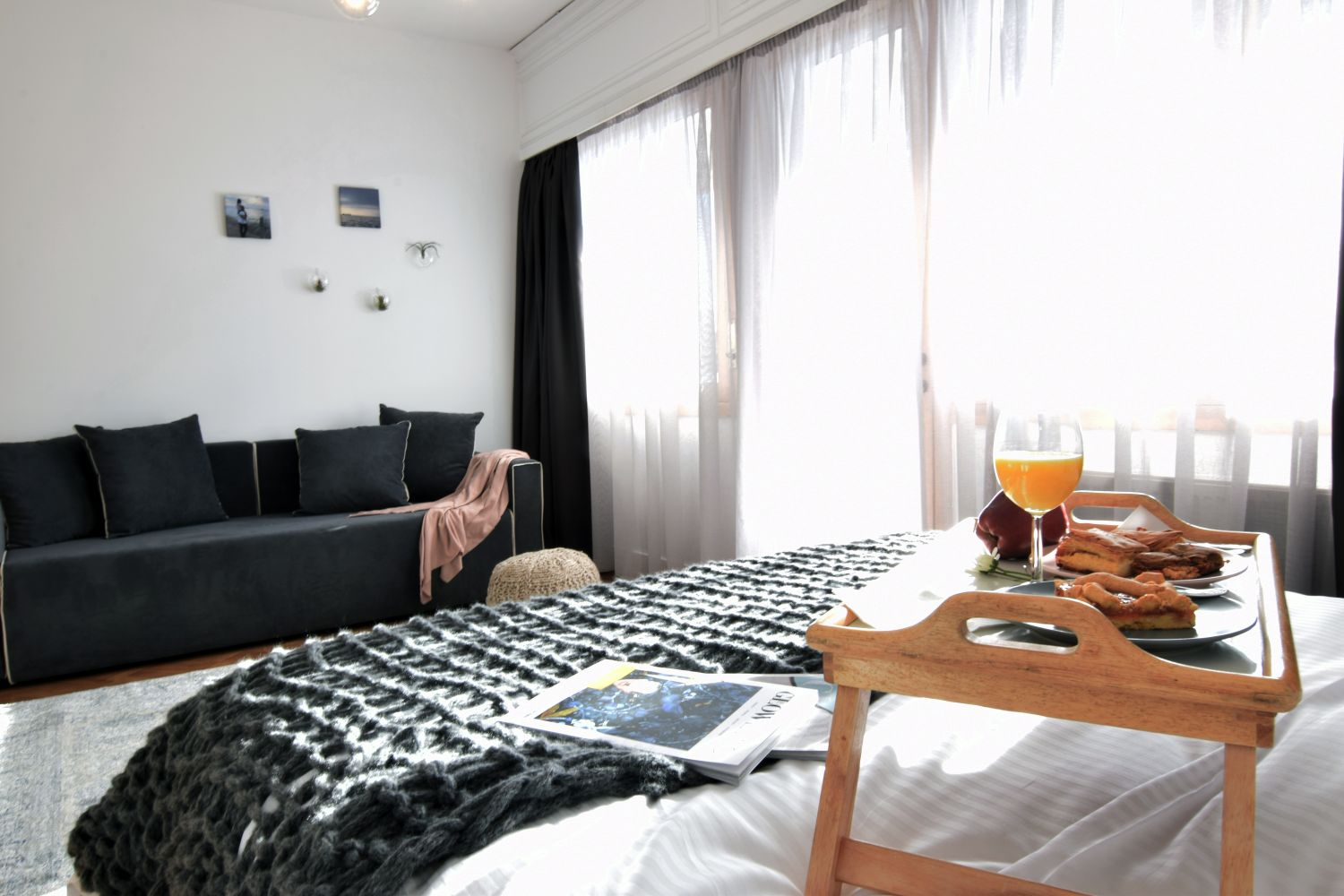 804 Living area with 1 double bed