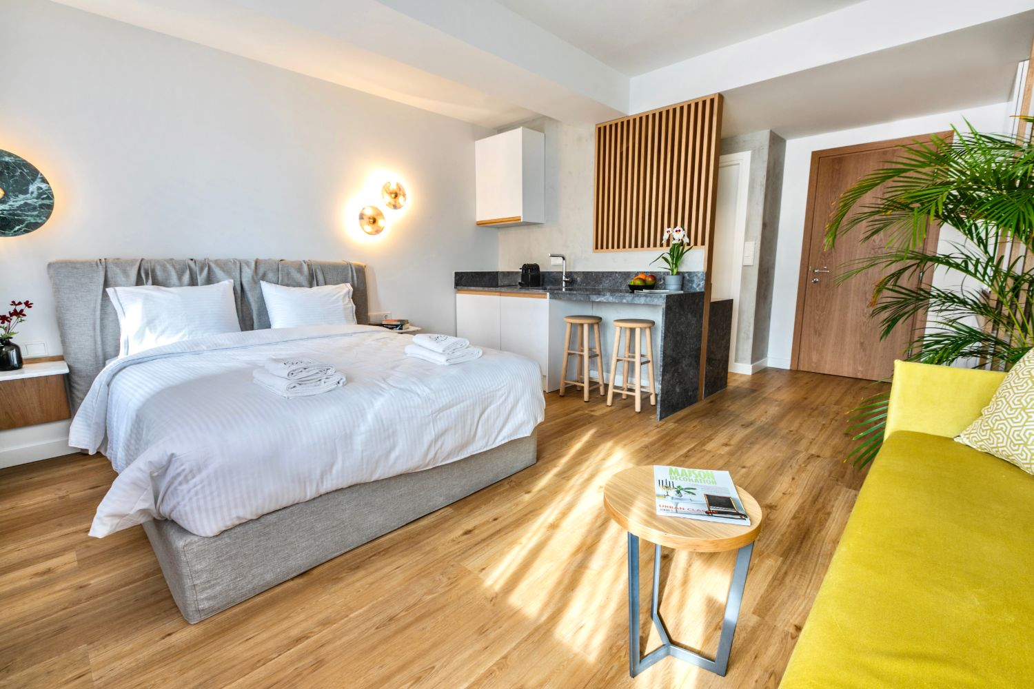 #705 Double Bed and Sitting Area