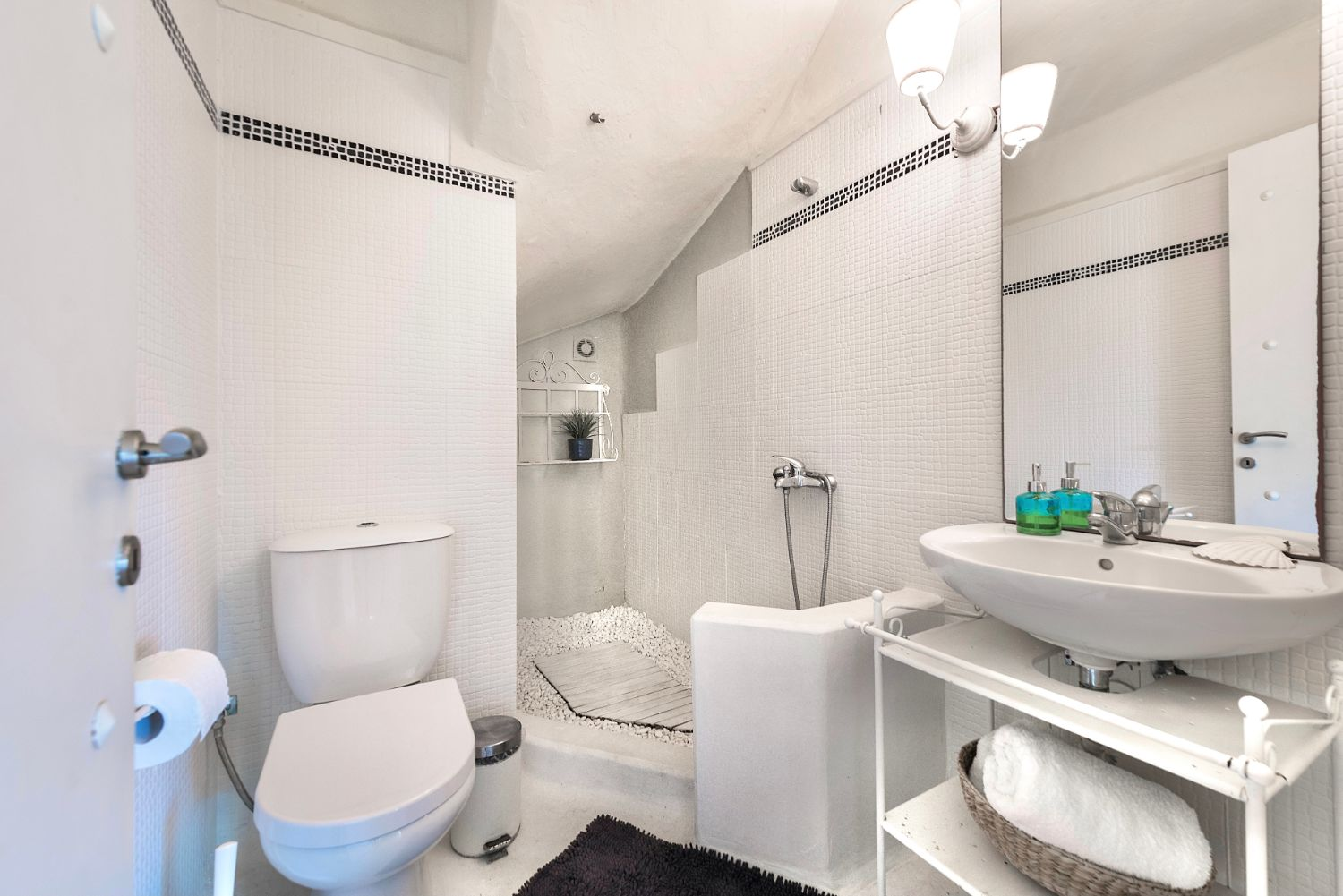 Bathroom 1 with wc and shower