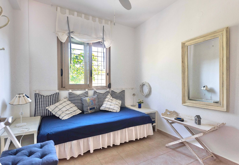 Mezzanine with 1 single bed