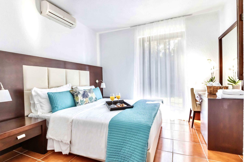 Bedroom 4 double bed