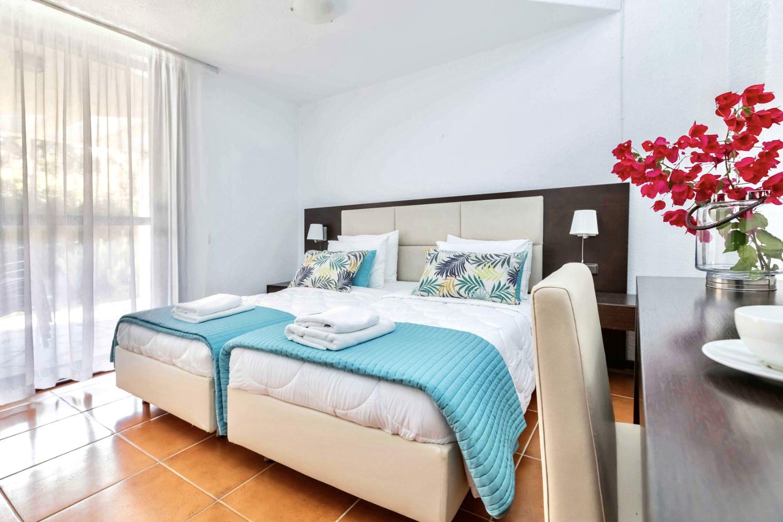 Bedroom 3 single beds