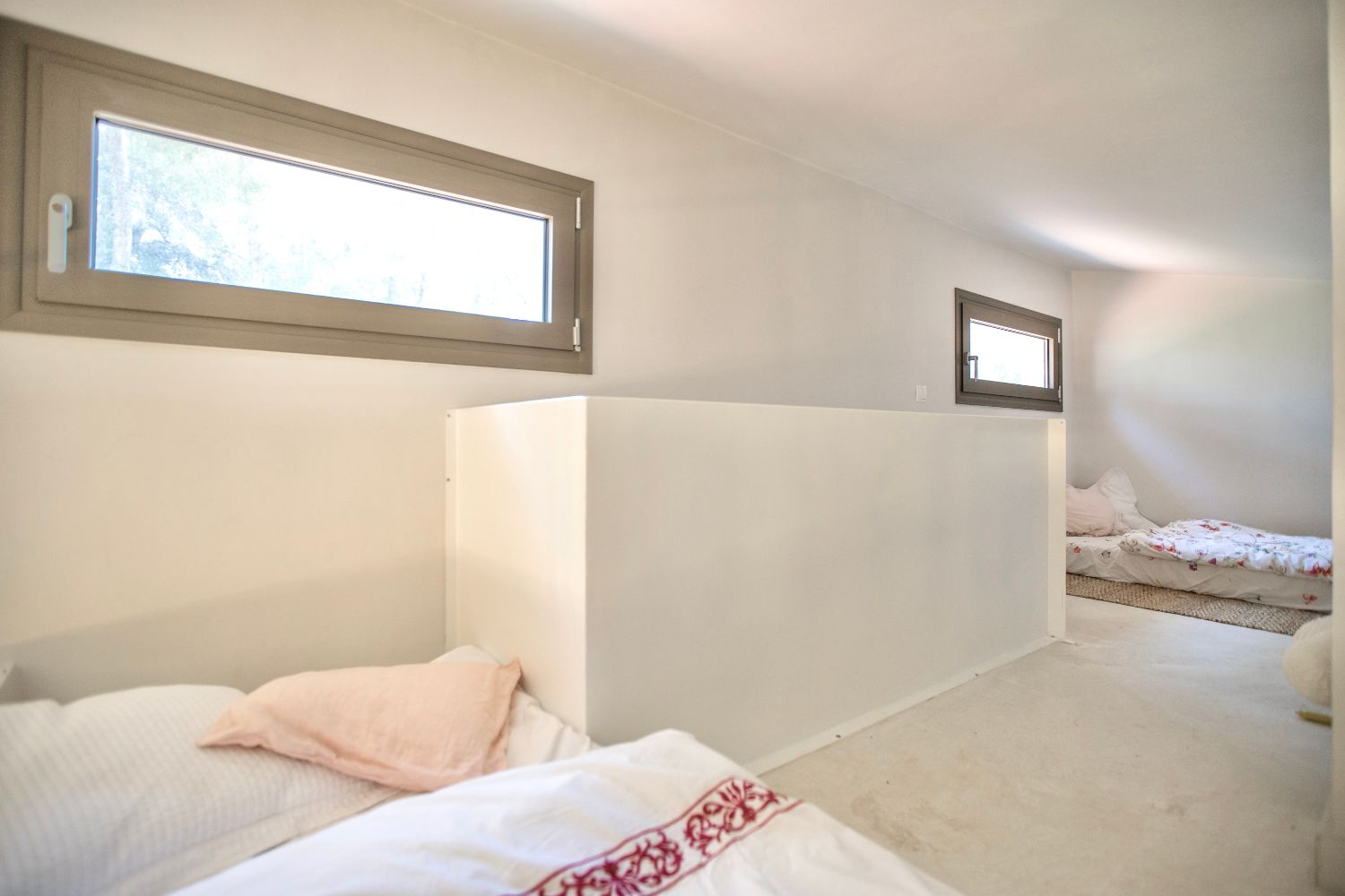 Bedroom 2 with 2 single futons