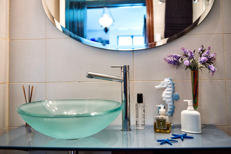 Μπάνιο 2 με ντους και WC