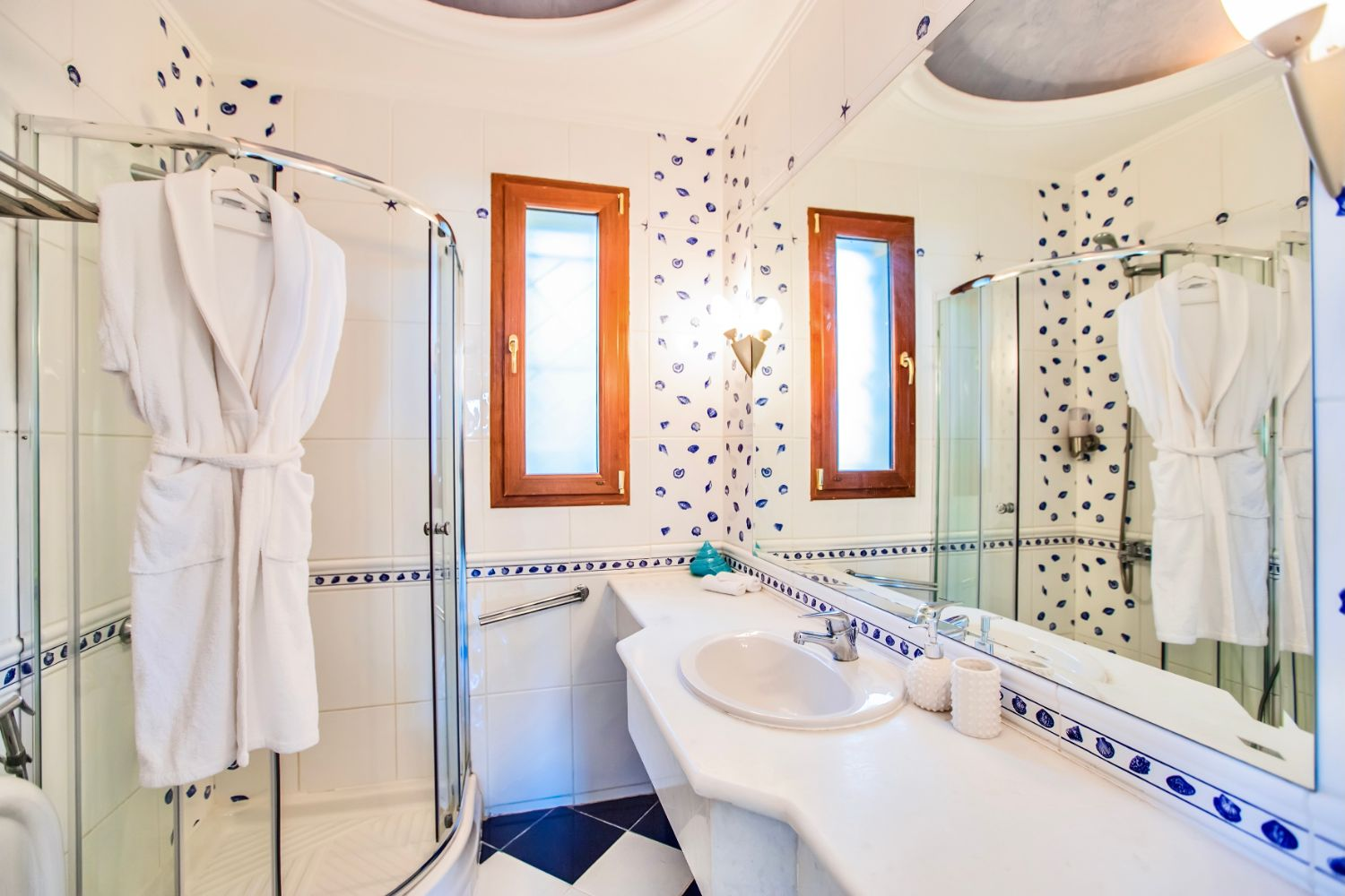 Bathroom 1 with shower and WC