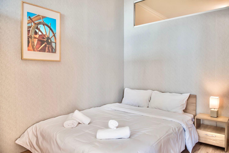 Bedroom 2: double bed