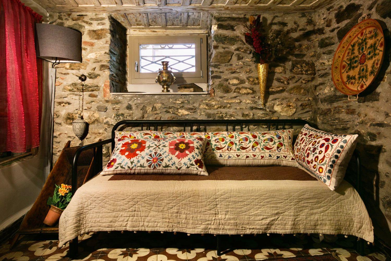 Ottoman Grande: Sofa Bed