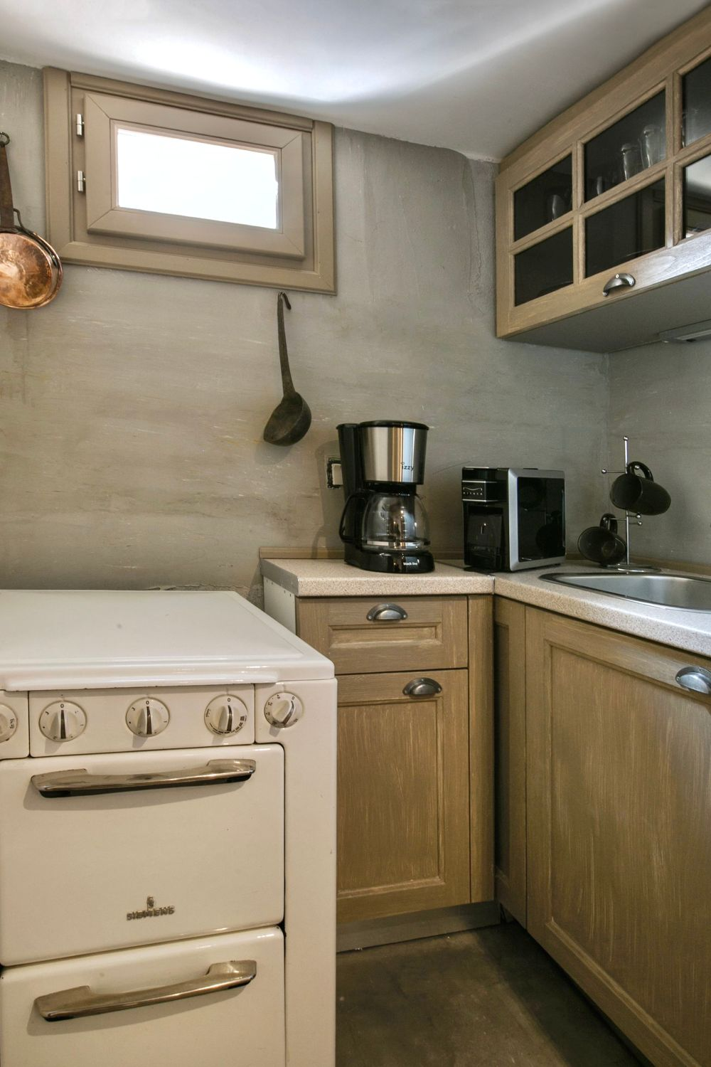 Ottoman Grande: Fully Equipped Kitchen