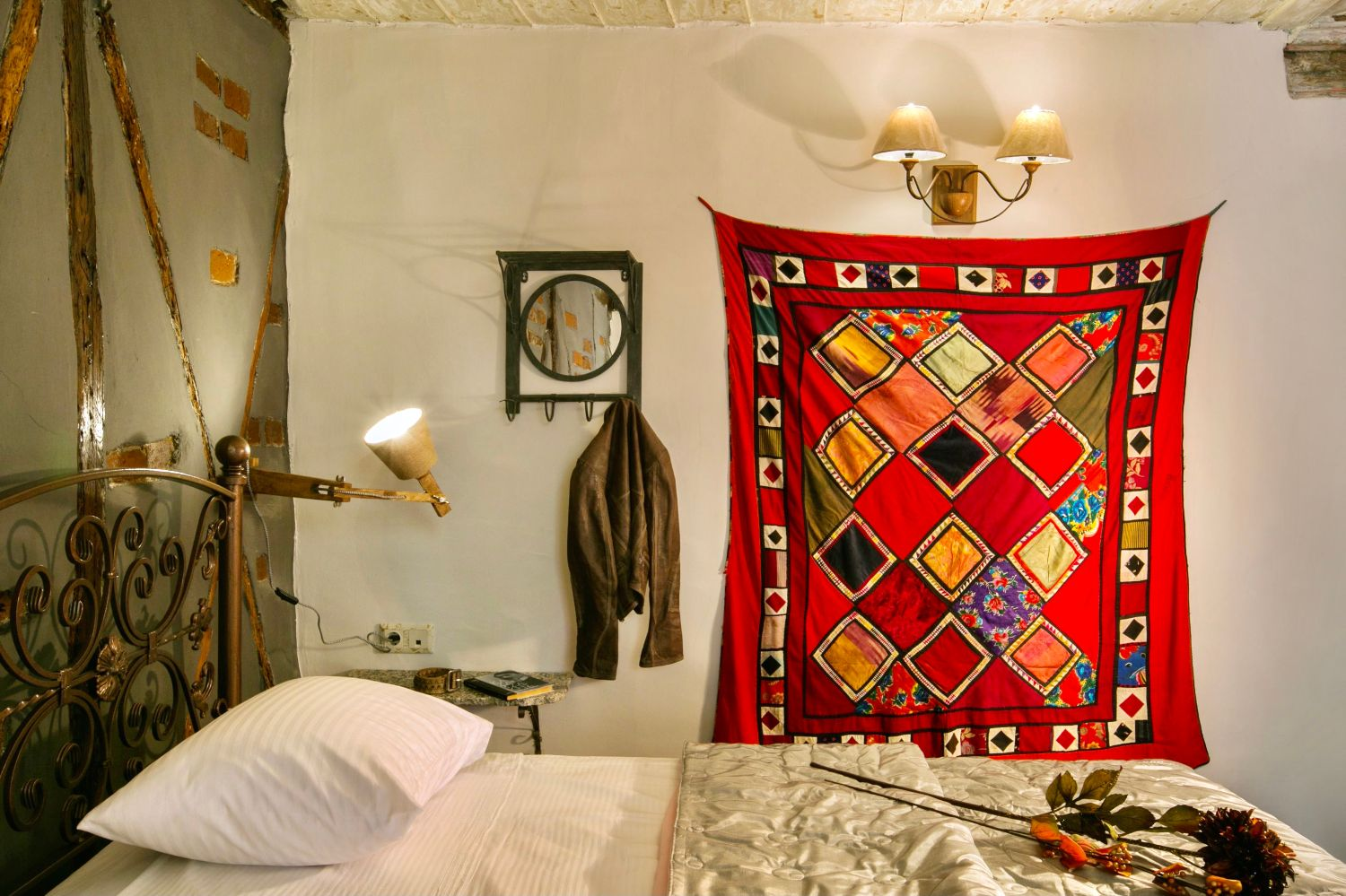 Ottoman Grande: Bedroom 2 with twin beds