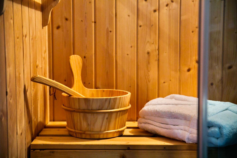 Ottoman Petite: Sauna