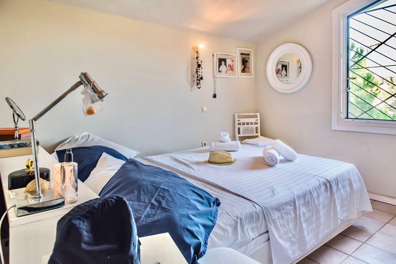 1ο Υπνοδωμάτιο με 1 Queen κρεβάτι