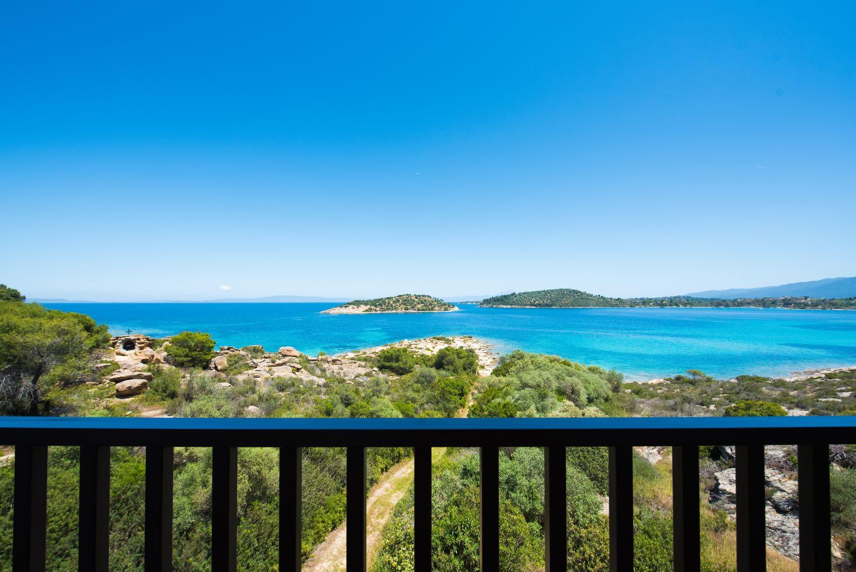 Balcony and sea view