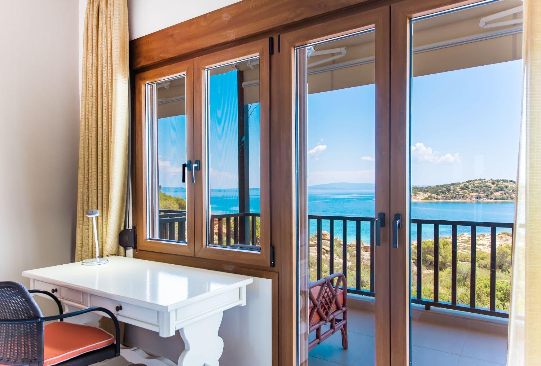 Γραφείο με θέα τη θάλασσα στο 1ο υπνοδωμάτιο