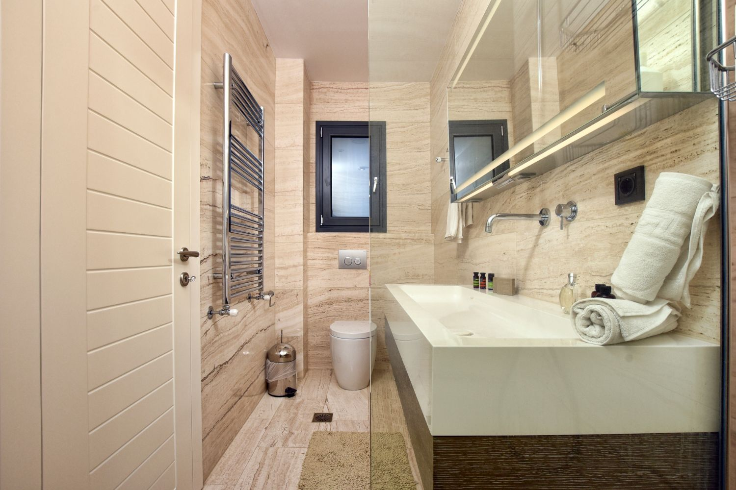 Bathroom 4 With WC