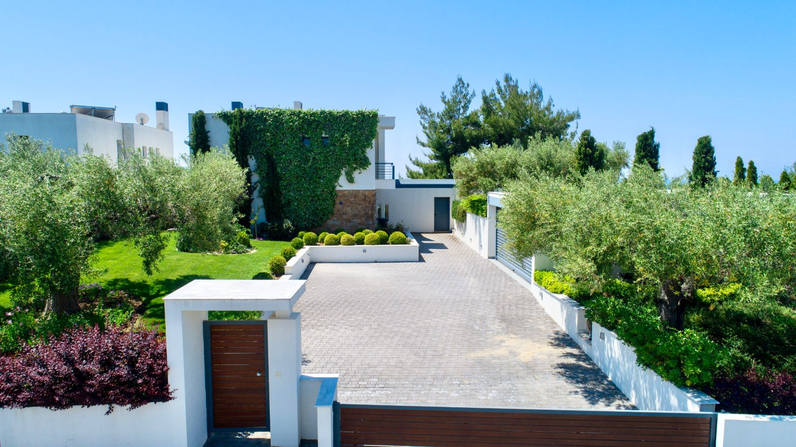 Villa Olivia with private garden and parking