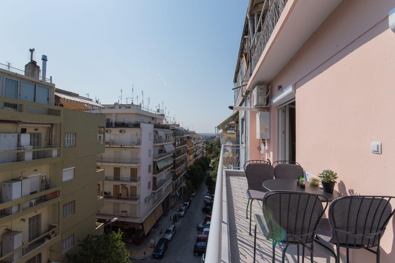 Balcony & city view
